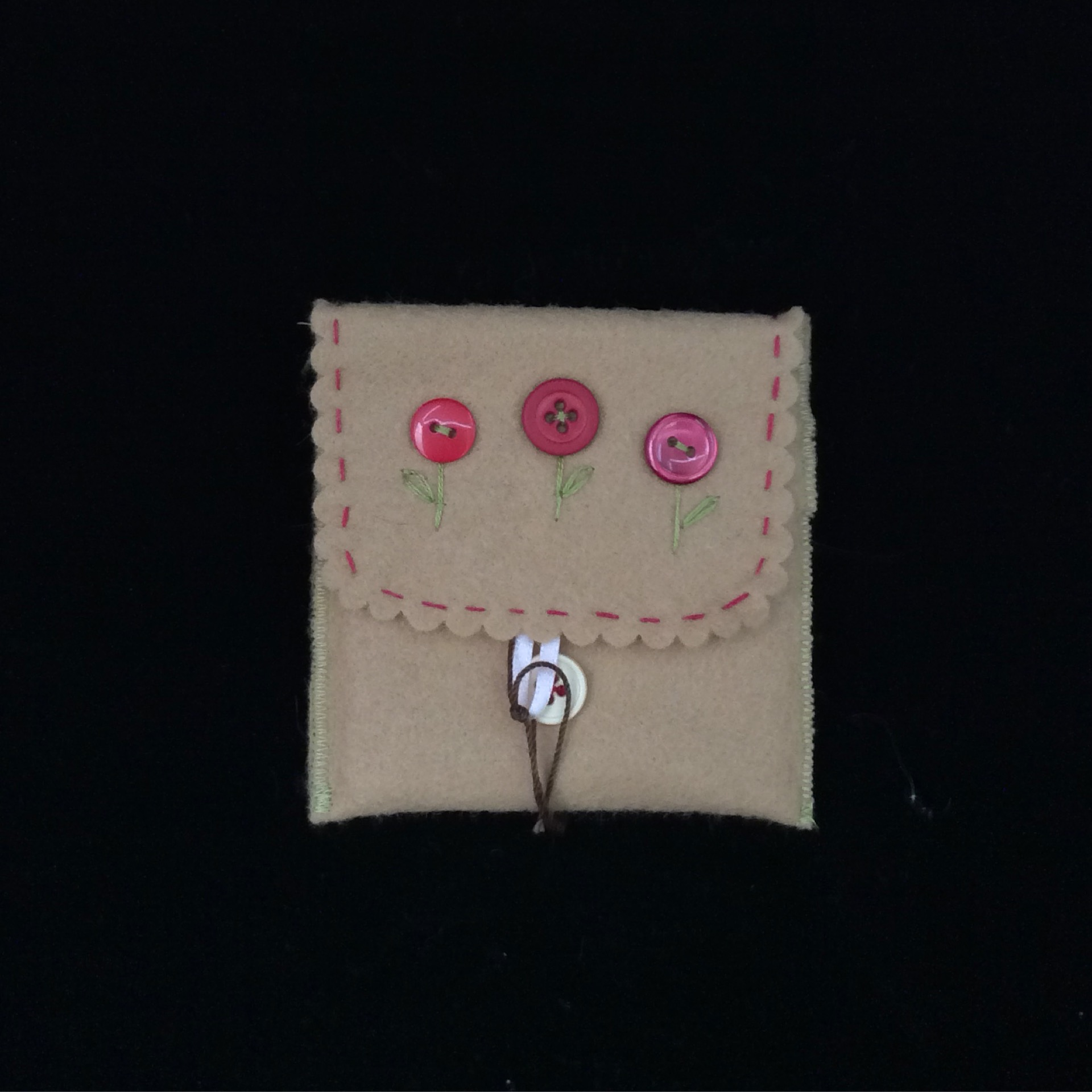 Button Bloom Pouch
