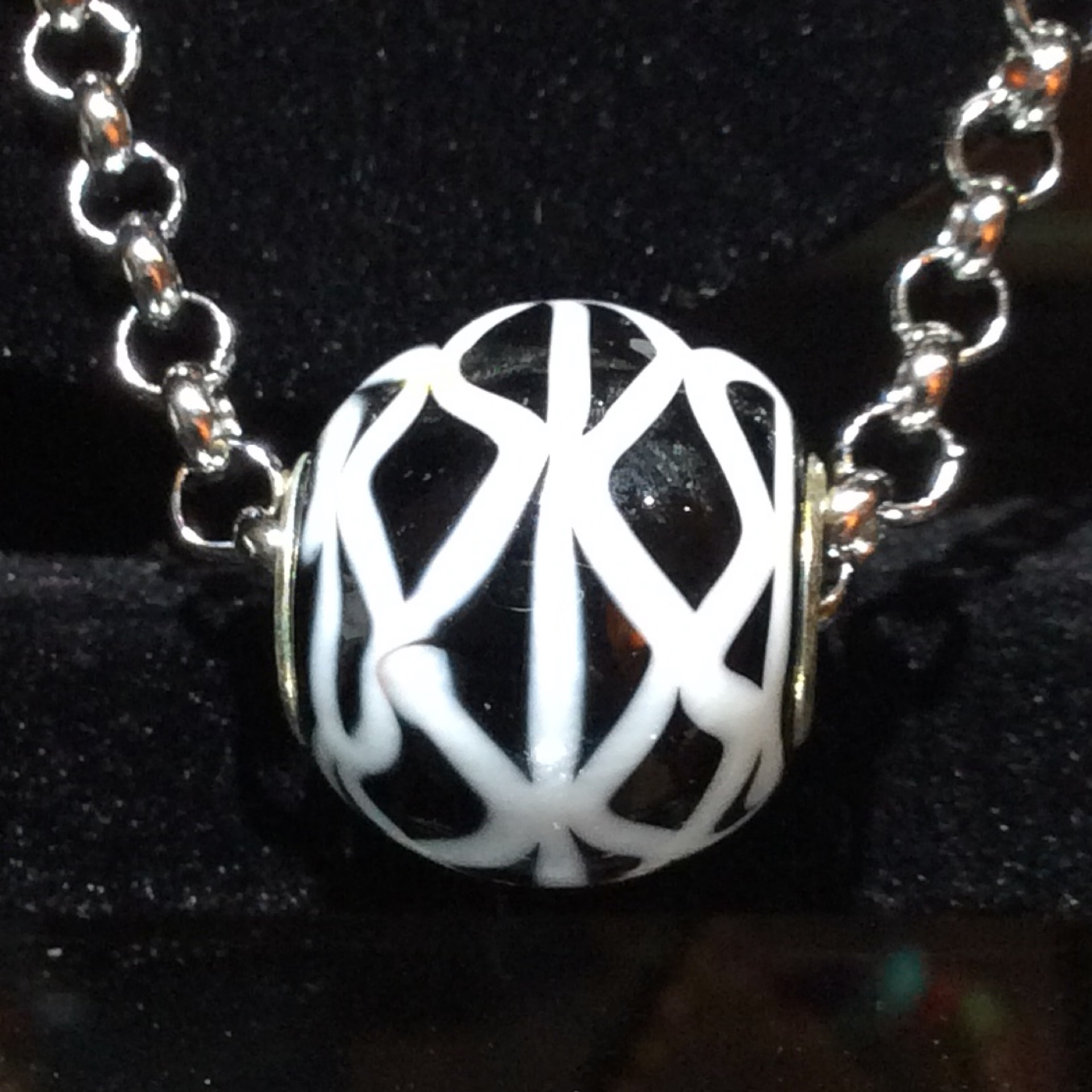 Necklace Black White Bead